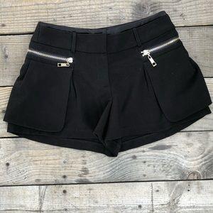 Garcia Fashion Black Shorts with gold zipper